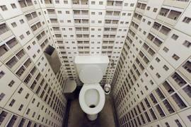 一風変わったアーティスティックなトイレ♪家にあったらちょっとひいてしまいそうです。